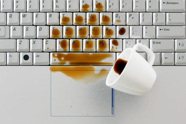 Bilgisayara Sıvı Dökülmesi Halinde Neler Yapılmalı?