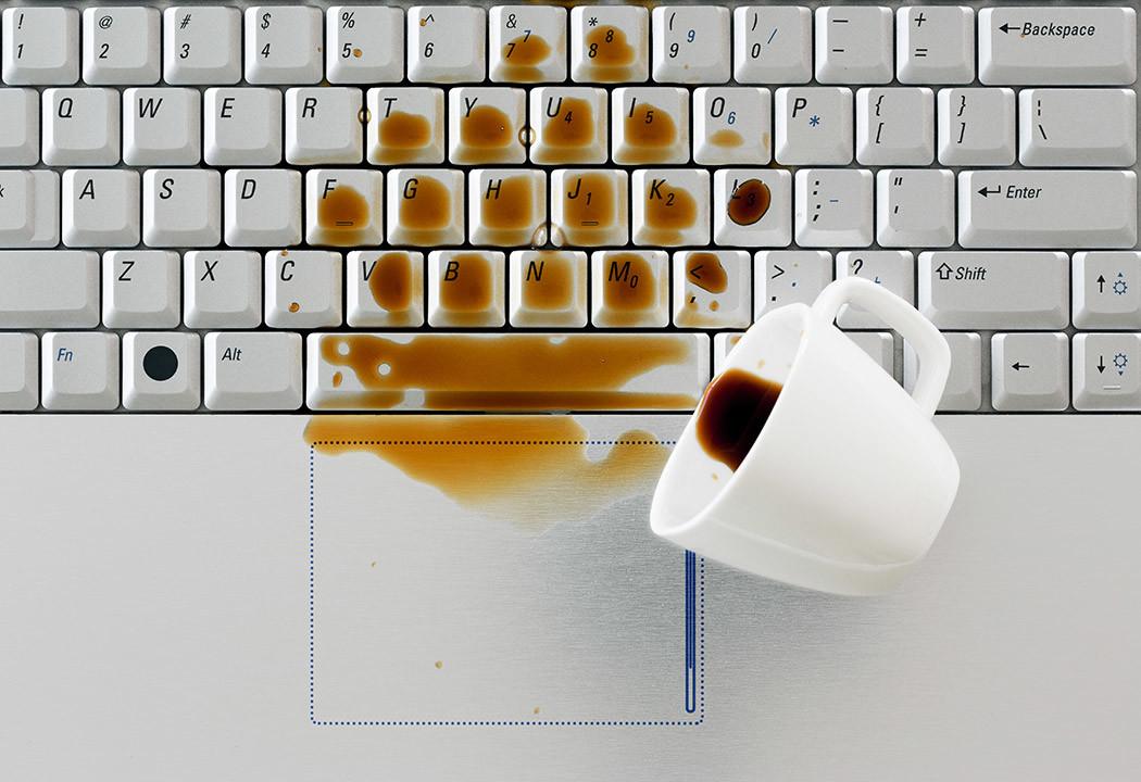 Bilgisayara Sıvı Dökülmesi
